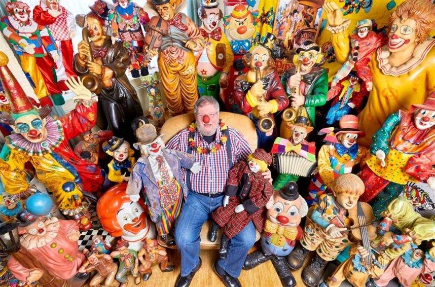 Самая большая коллекция клоунов